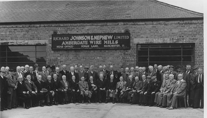 group photo of Ambergate wireworkers