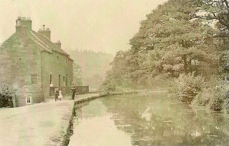 An old postcard of Cromford Canal