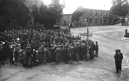 1930 gathering for Stand Sunday