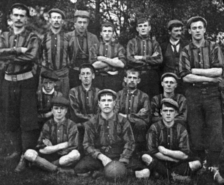 Early Crich footballers