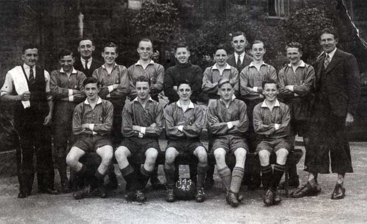 Whatstandwell Football team 1944